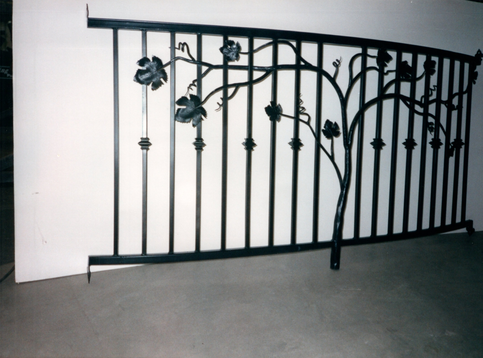 galleryrailings0048