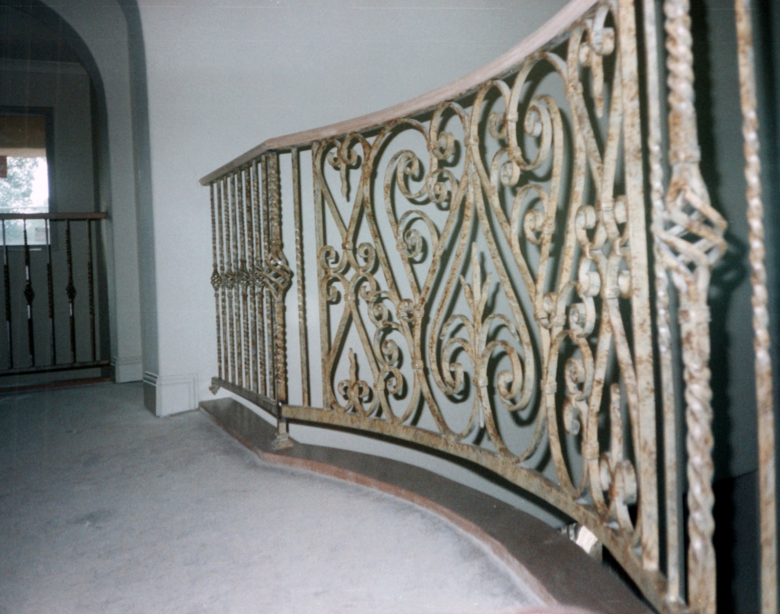 galleryrailings0049