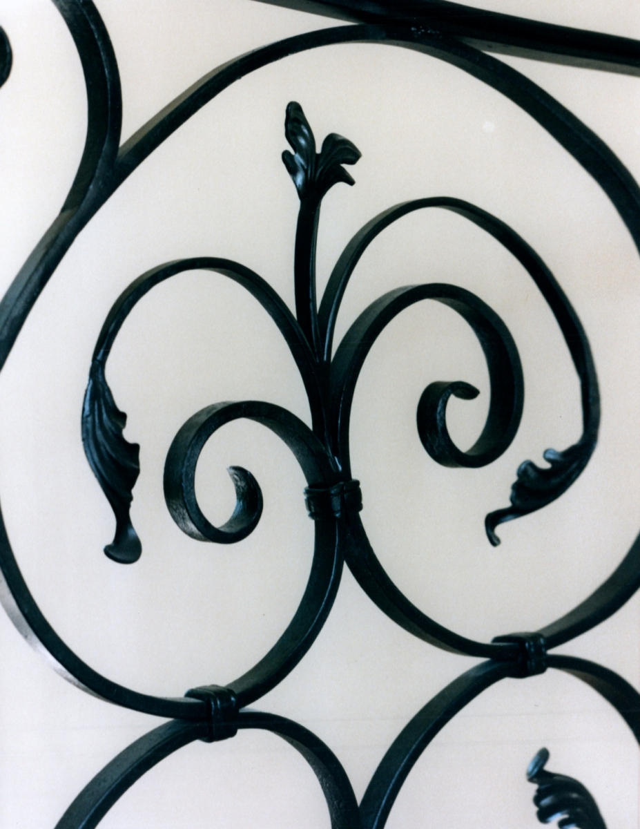 galleryrailings0055