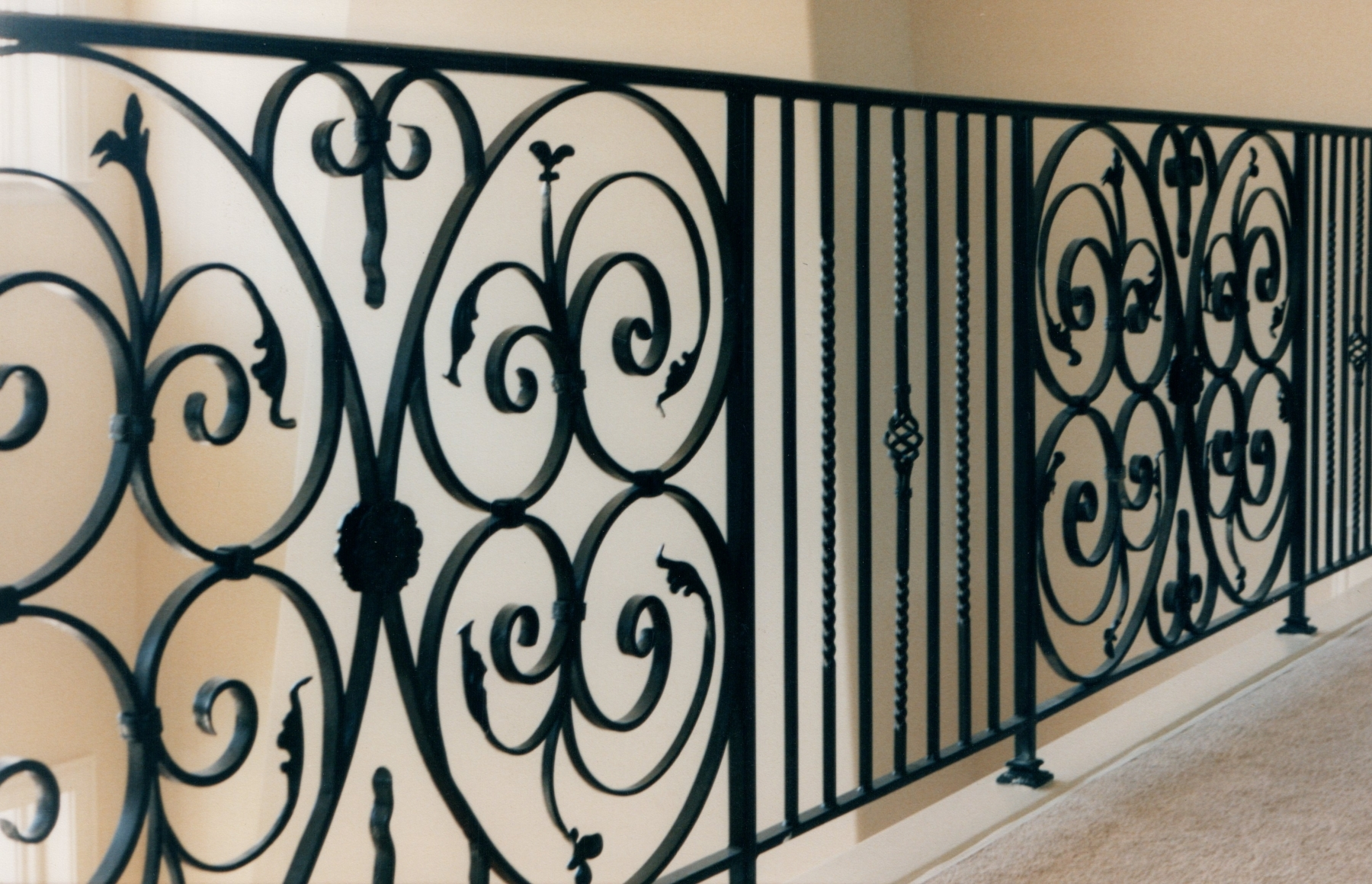 galleryrailings0057