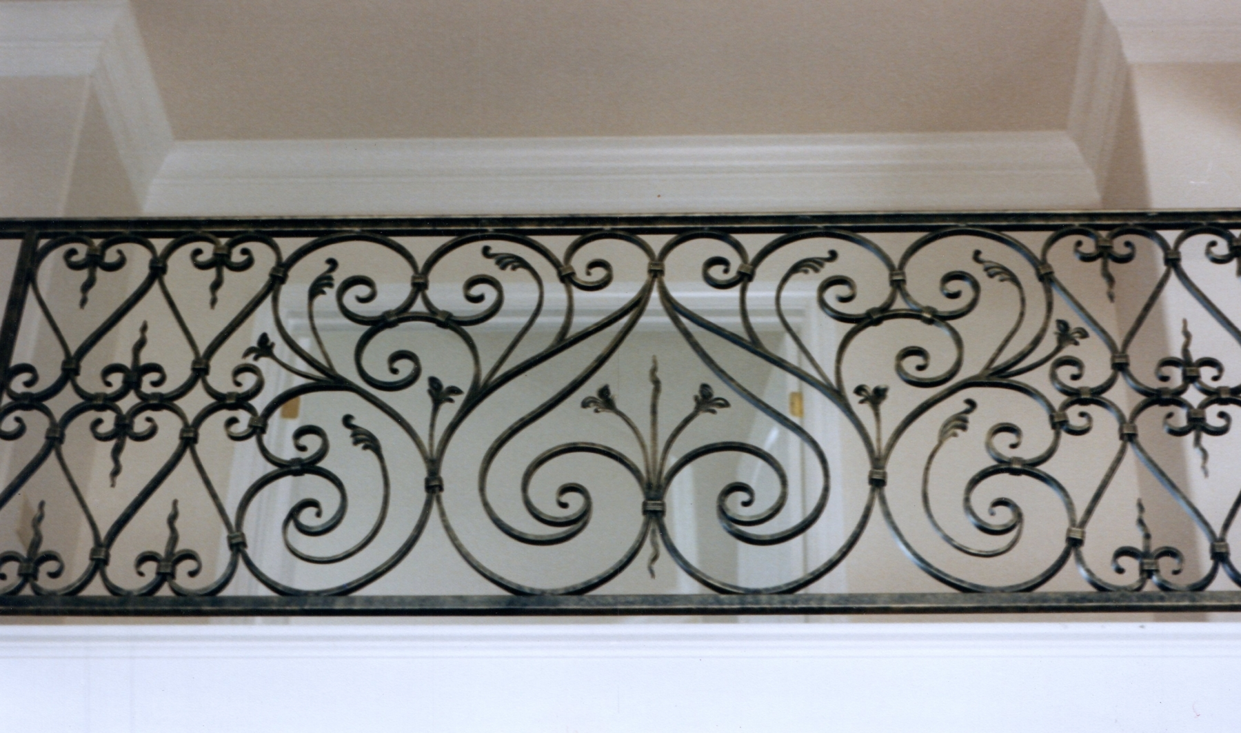 galleryrailings0058