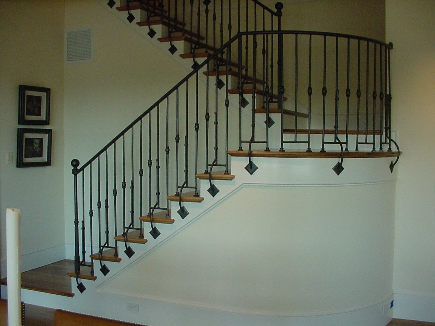 stairrailingcurved0010