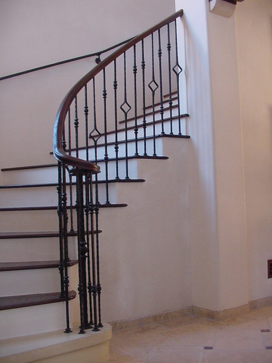 stairrailingcurved0022